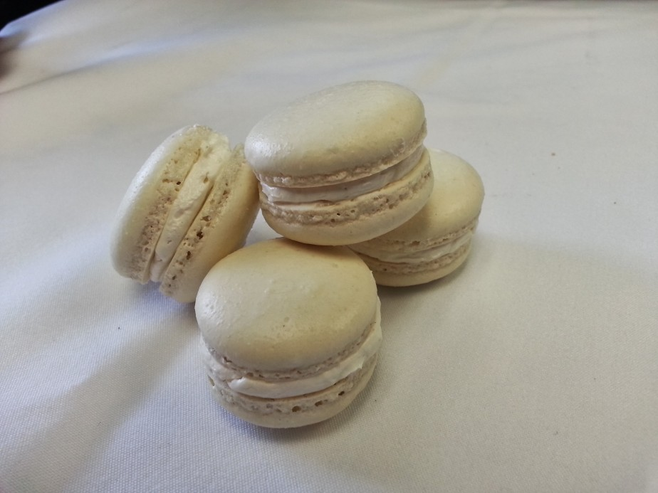 Hilo Honey Macarons