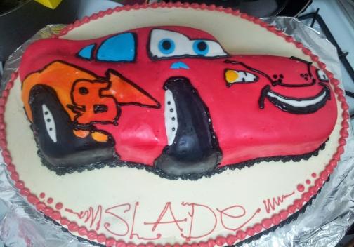 Lightning McQueen cake on Oval cake