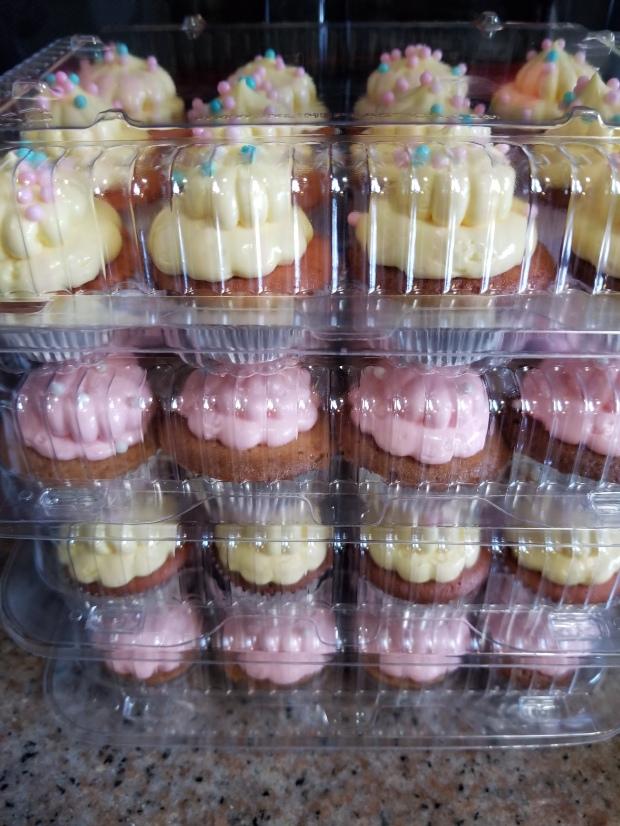 """Strawberry Lemonade"" Cupcakes"